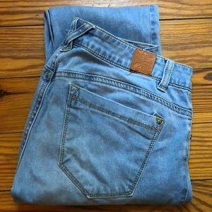 Jolt light wash skinny jeans